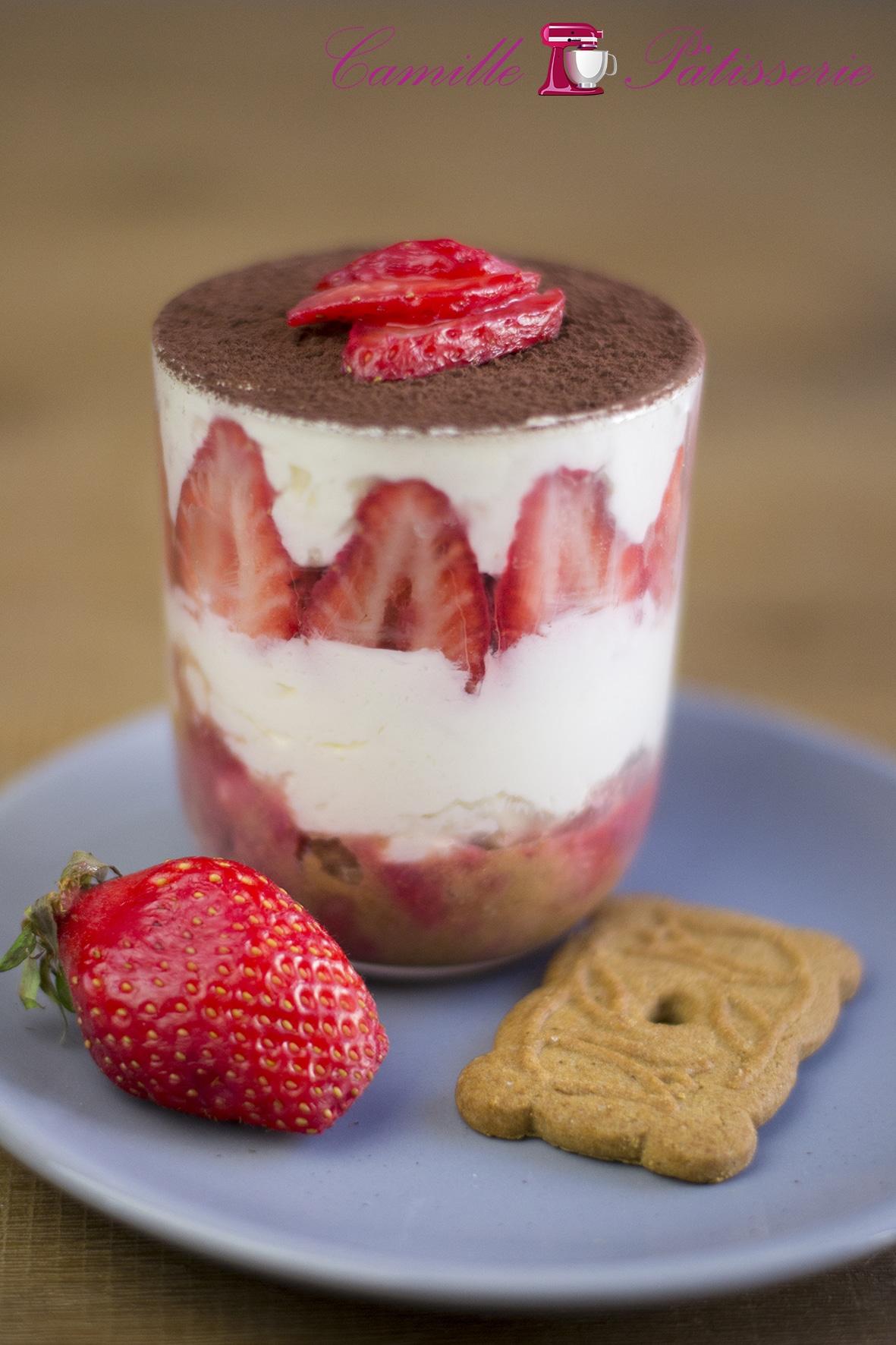 Tiramisu fraises rhum spéculoos