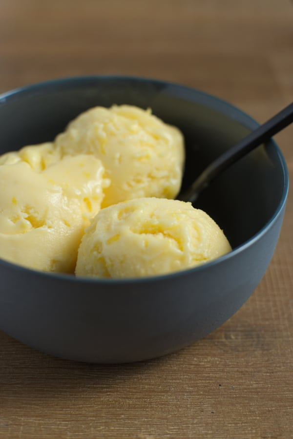 Glace lemon curd